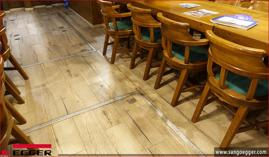 Sàn gỗ Egger lắp đặt nhà hàng trên tàu tại Wismar Germany