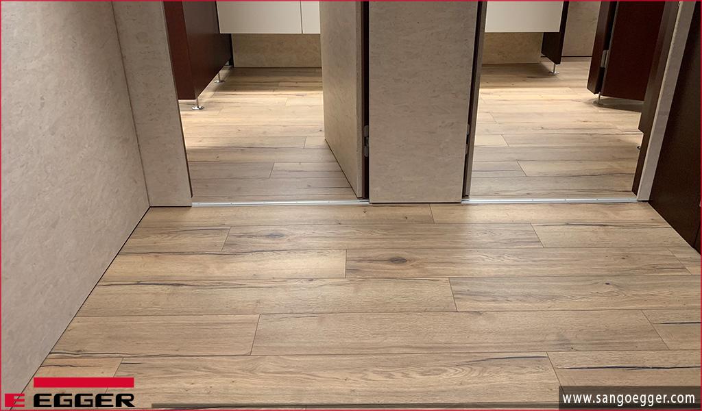 Sàn gỗ Egger Aqua Plus + sàn gỗ siêu chịu nước