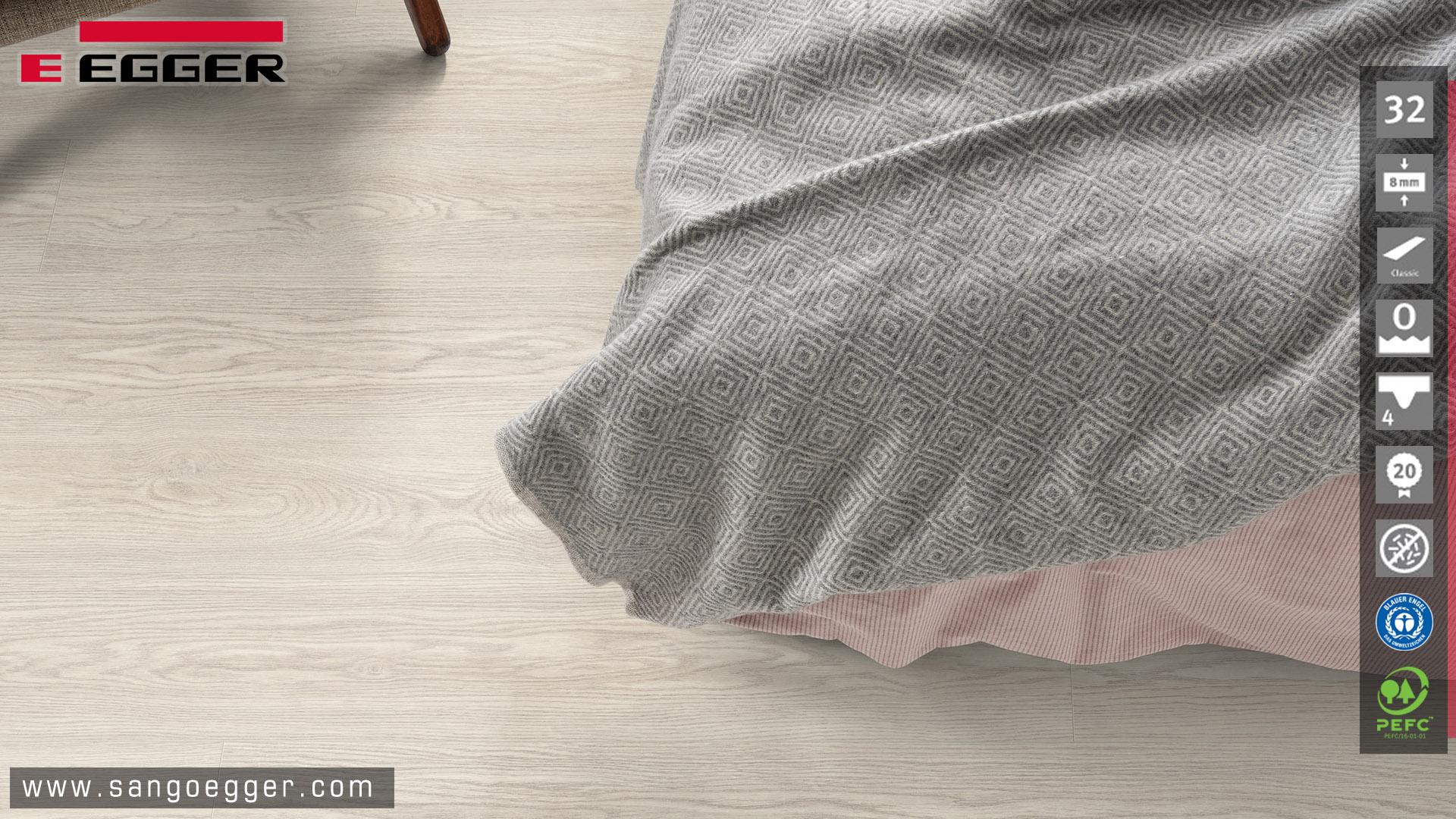 Sàn gỗ Egger EPL177 thực tế lắp đặt phòng ngủ