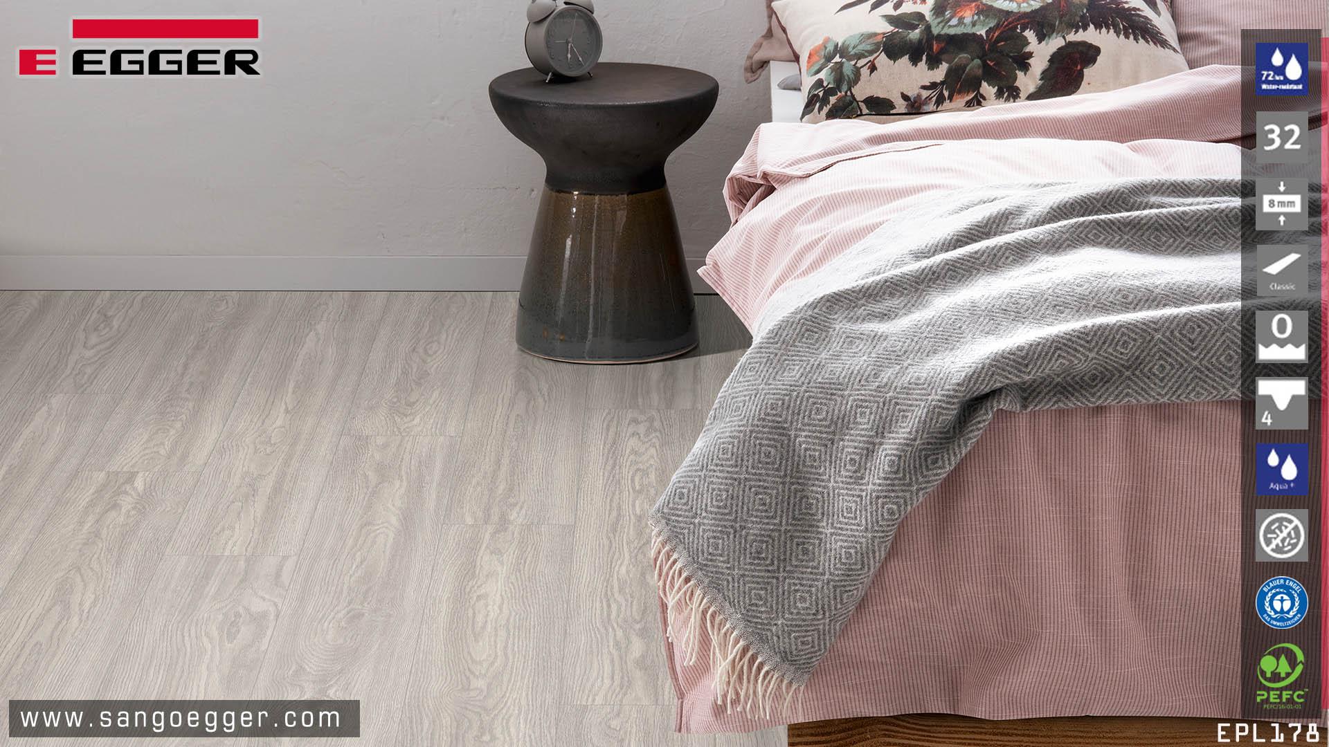 Sàn gỗ Egger EPL178 Aqua lắp đặt phòng ngủ