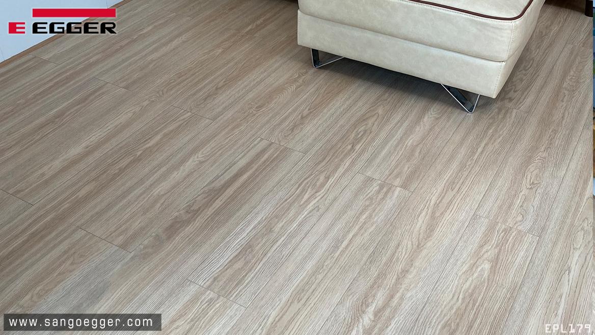 Sàn gỗ Egger 179 Aqua 8mm cao cấp