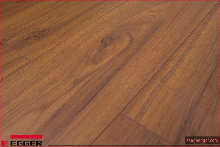 Bề mặt sàn gỗ Egger - Ván sàn công nghiệp Đức